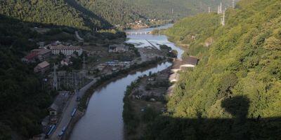 Ponta: Guvernul continua listarea companiilor cu Hidroelectrica, Aeroporturi Bucuresti, Portul Constanta si Complexul Energetic Oltenia
