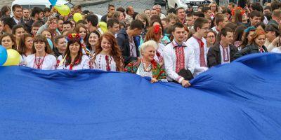 EXCLUSIV Ucraina, mama vitrega pentru romanii din Cernauti