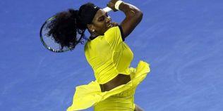 FOTO Serena Williams incearca sa-si scoata in evidenta formele cu o tinuta de joc creata chiar de ea. Dimensiunile oficiale ale americancei sunt generoase