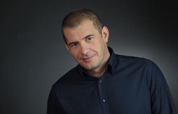 TVR risca sa ramana fara Dragos Patraru! Jurnalistul nu a semnat