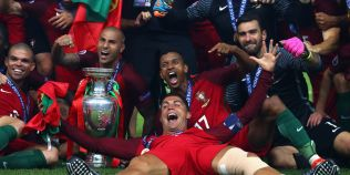 VIDEO Ronaldo-show. Starul Portugaliei s-a dezlantuit pe banca de rezerve. Si-a bruscat antrenorul si a lovit un coleg