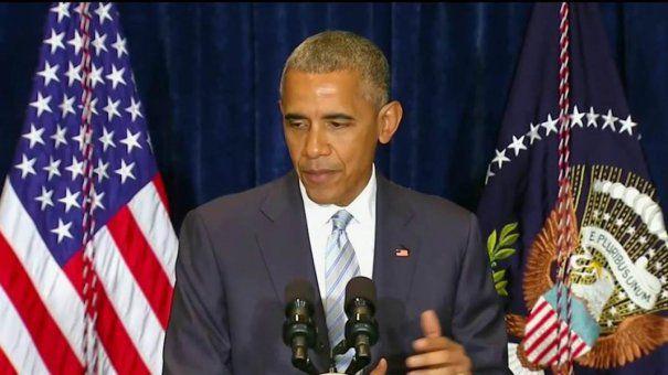 Barack OBAMA, alaturi de RUDELE celor cinci politisti ucisi de un LUNETIST, in DALLAS