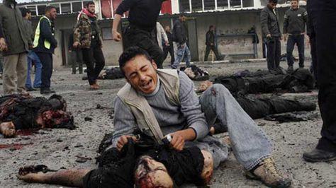 Mii de OAMENI isi plang MORTII, iar ei PETREC fara nicio GRIJA. Gestul REVOLTATOR al tinerilor SIRIENI | FOTO