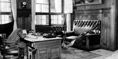 Sinuciderile nazistilor din timpul celui de-Al Doilea Razboi Mondial. Mii de germani si-au pus capat zilelor, speriati de