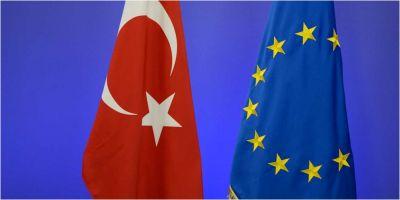 Turcia conditioneaza continuarea acordului privind refugiatii cu UE de extradare a opt militari din Grecia