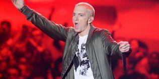 Eminem a lansat un avertisment dur la adresa lui Donald Trump: