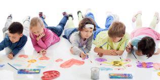 Cum dezvoltam creativitatea copiilor. Ponturi pentru parintii care vor ca cei mici sa dea frau liber imaginatiei