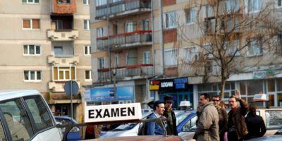 Flagrant pe piata spagilor pentru permise din Sibiu: intre 200 si 400 de euro, platiti patronului de scoala de soferi