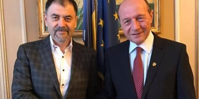 Traian Basescu, numit presedinte de onoare al Partidului Unitatii Nationale, condus de Anatol Salaru: Vreau sa mutam granita Romaniei pe Nistru!