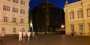Priveliste infioratoare in Piata Unirii din Timisoara. Au pocit una dintre cele mai fotografiate cladiri istorice din oras