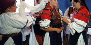 VIDEO Cum au refacut maramuresenii in cele mai mici detalii o nunta straveche romaneasca