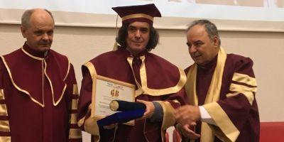 Mircea Cartarescu a primit titlul de Doctor Honoris Causa, din partea Universitatii