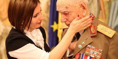 Lacrimi pentru generalul Didulescu. A murit eroul de razboi care a plans la o ceremonie de durerea pierderii fiicei sale