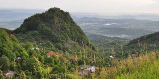 Tainele vulcanului din Sacaramb, locul marilor bogatii subterane. Telurul si aurul l-au transformat in El Dorado