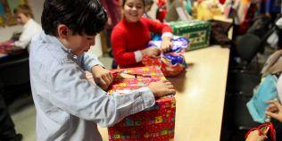 STUDIU Romanii cheltuie pana la 500 de lei pe cadourile achizitionate online de Craciun