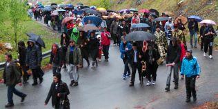 Cea mai lunga procesiune religioasa din Vinerea Mare. Secretul crucii purtate de credinciosi 10 kilometri