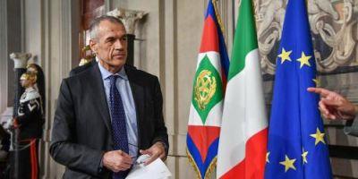 Italia risca sa o ia pe urma Greciei. Cele sapte pacate capitale ale economiei italiene